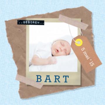 enkel foto geboortekaartje jongen, met vintage blauwe achtergrond