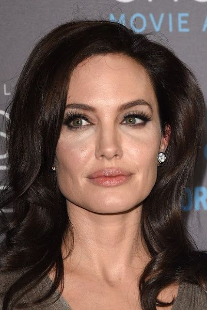 Main Makeup Brushes You Need: 20 Celebrities Whose Main Beauty Is Their High Forehead