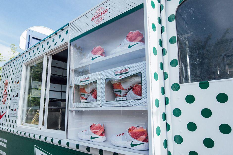 Nike Kyrie 2 Ky-rispy Kreme | Mobile Activation | Pinterest