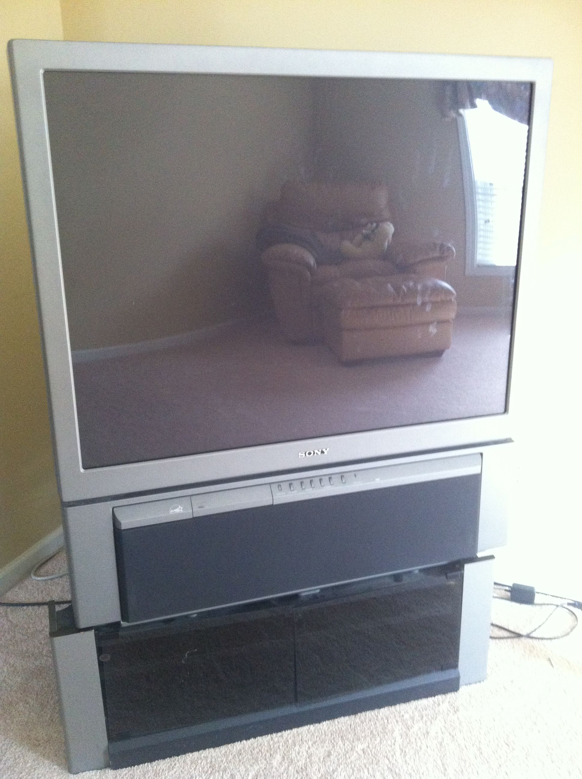 Sony 43 Quot Rear Projection Television Tv Stand In