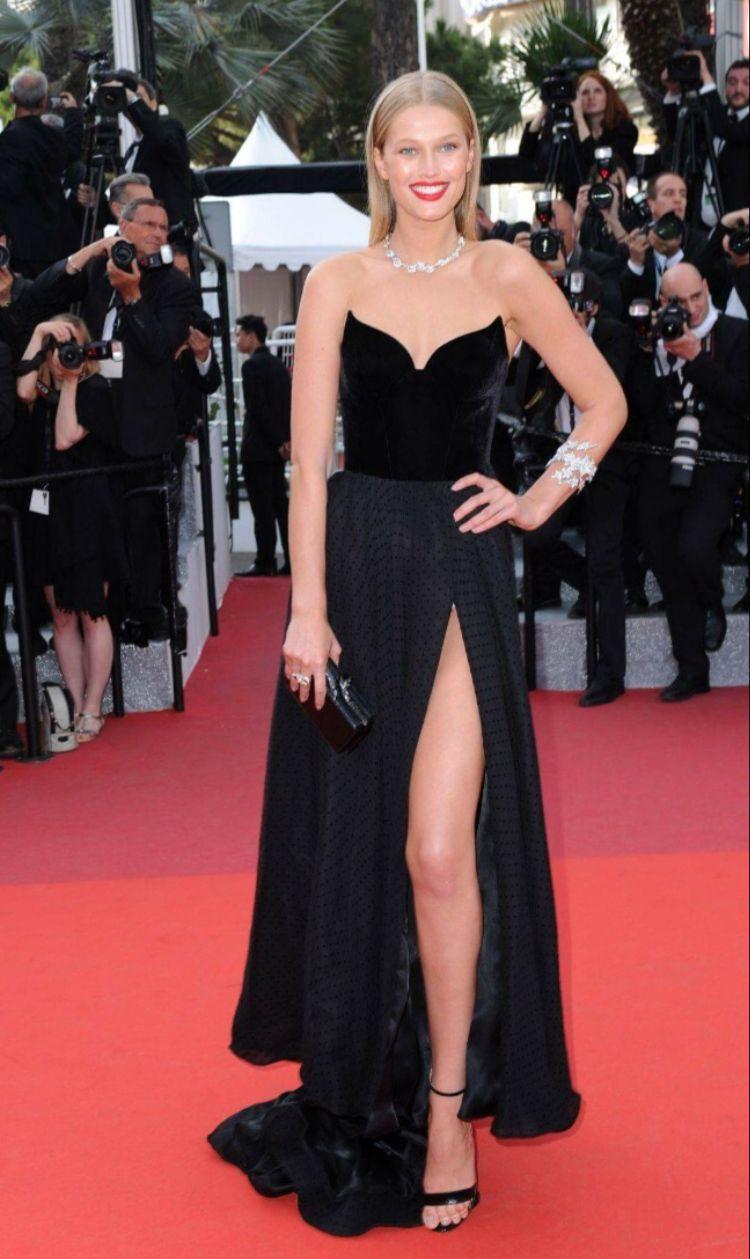 This dress on the hunt celebrity dresses pinterest strapless