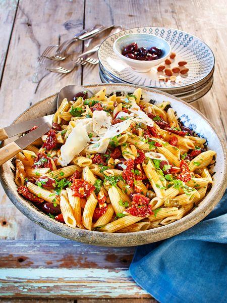 italienischer nudelsalat rezept in 2018 salat rezepte und leckere dressings pinterest. Black Bedroom Furniture Sets. Home Design Ideas
