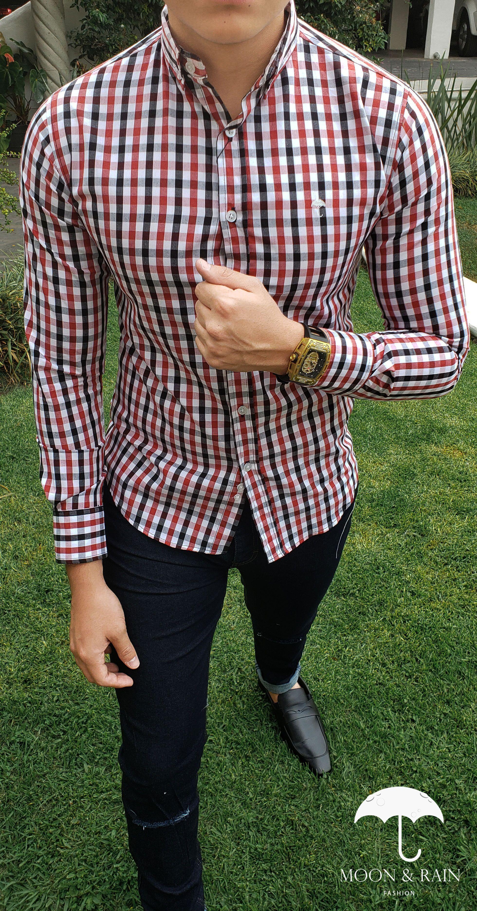 591611a1b1 Outfit para hombre  camisa slim fit de cuadros rojos