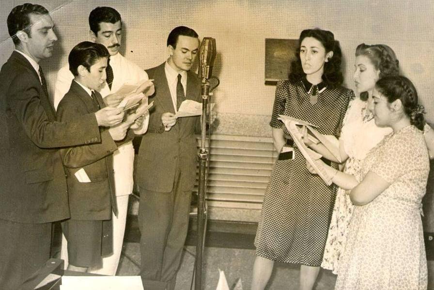 Radioteatro argentino, Hilda Bernard y Eduardo Rudy. RADIOM SPLENDID,  década del 40. | Radioteatros, Actrices, Historia argentina