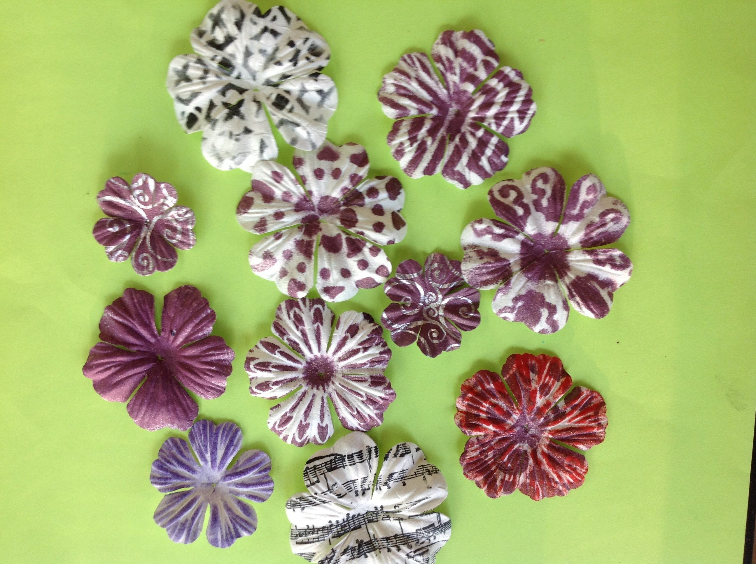 Wondrous Wednesday Learn How To Stencil On Paper Flowers For