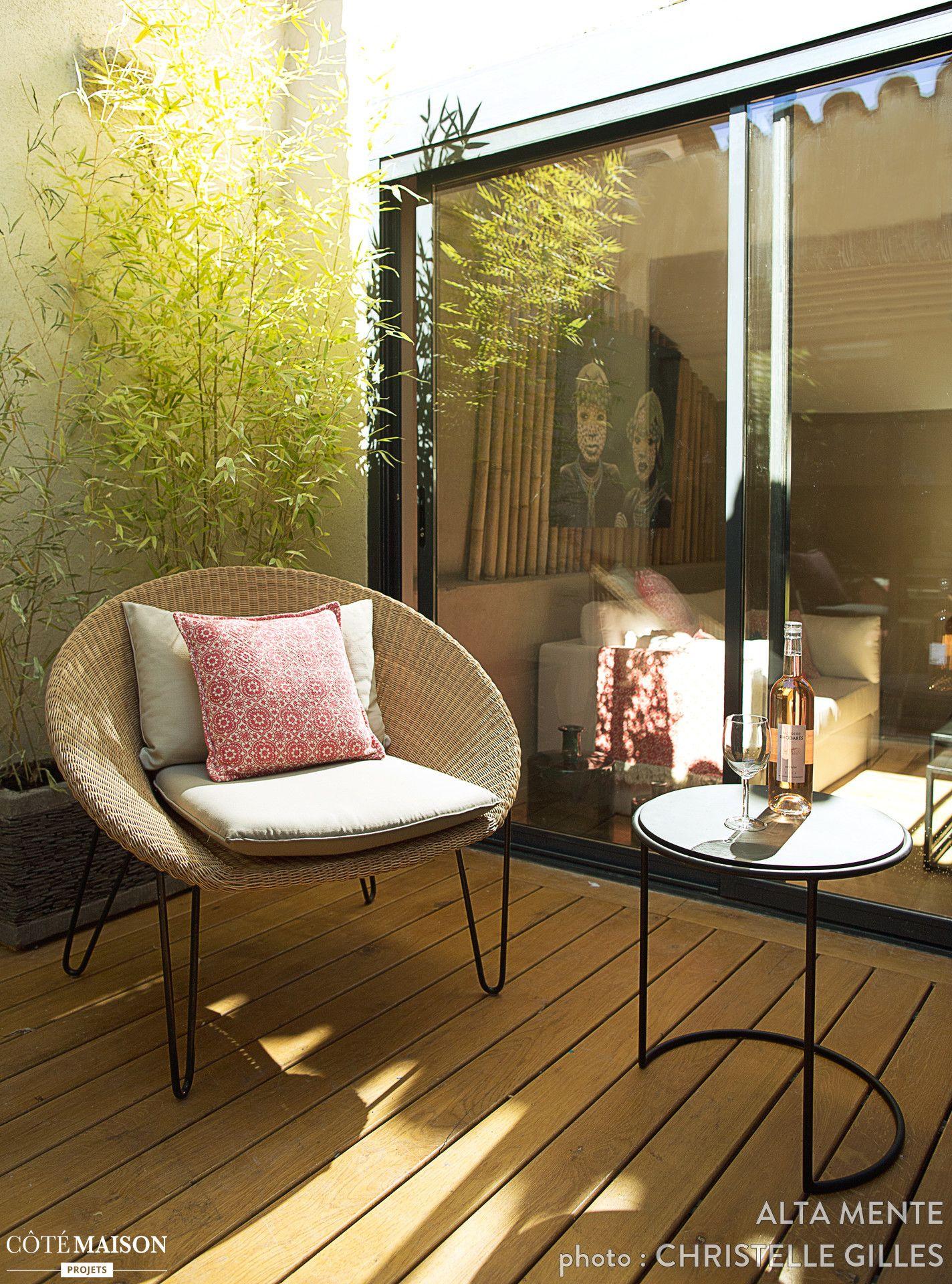 des meubles aux lignes g om triques originales d core. Black Bedroom Furniture Sets. Home Design Ideas
