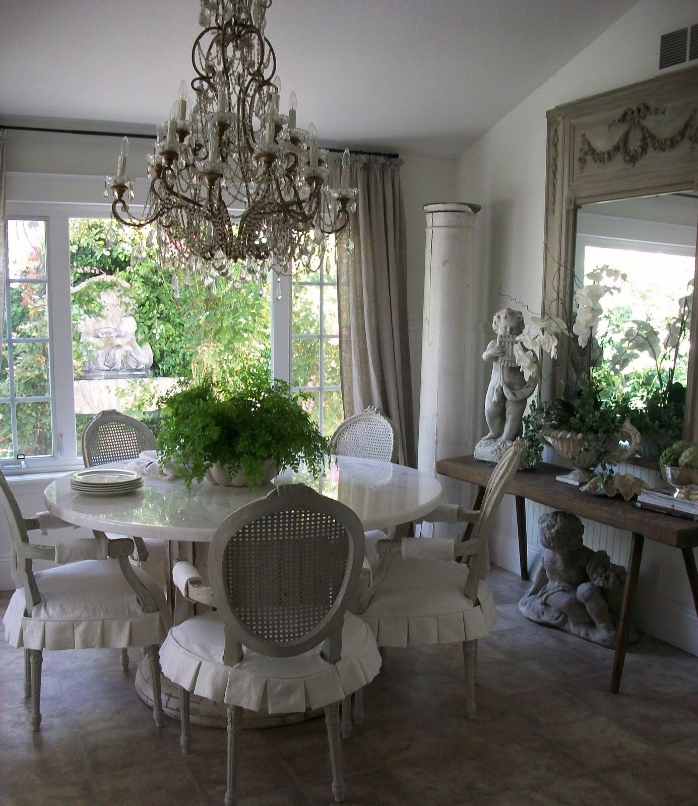 Pretty neutral dining room love the mirror the dining Pretty dining rooms
