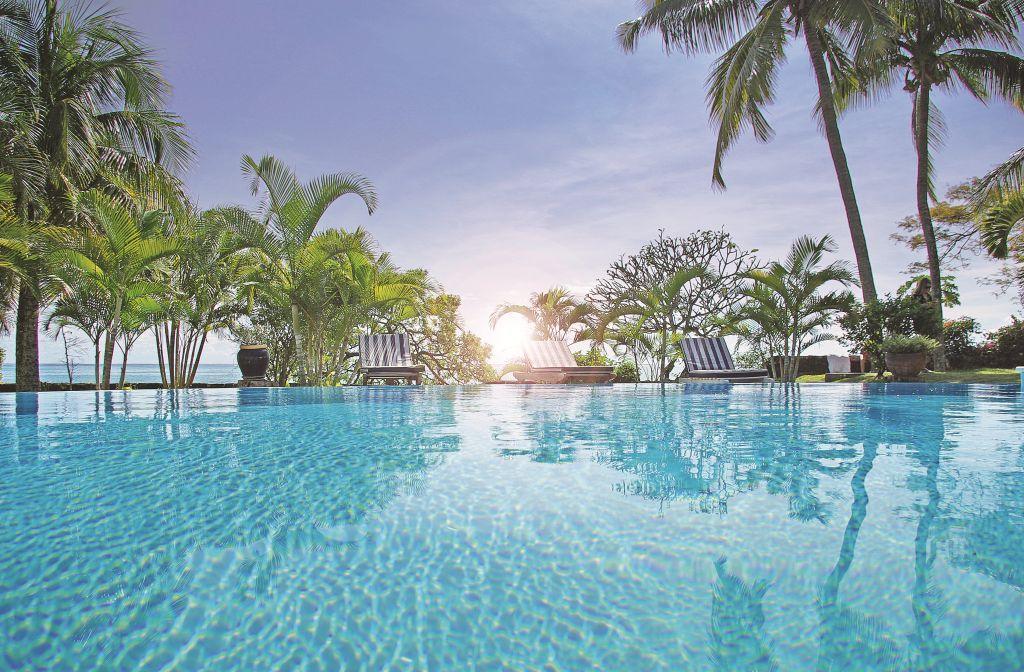 Piscine / Swimming pool at Mont Choisy Beach Villas #mauritius #memoris #sharingmemoris