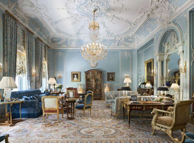 Alberto Pinto: World Interiors, Manhattan Apartment: Living Room Blue