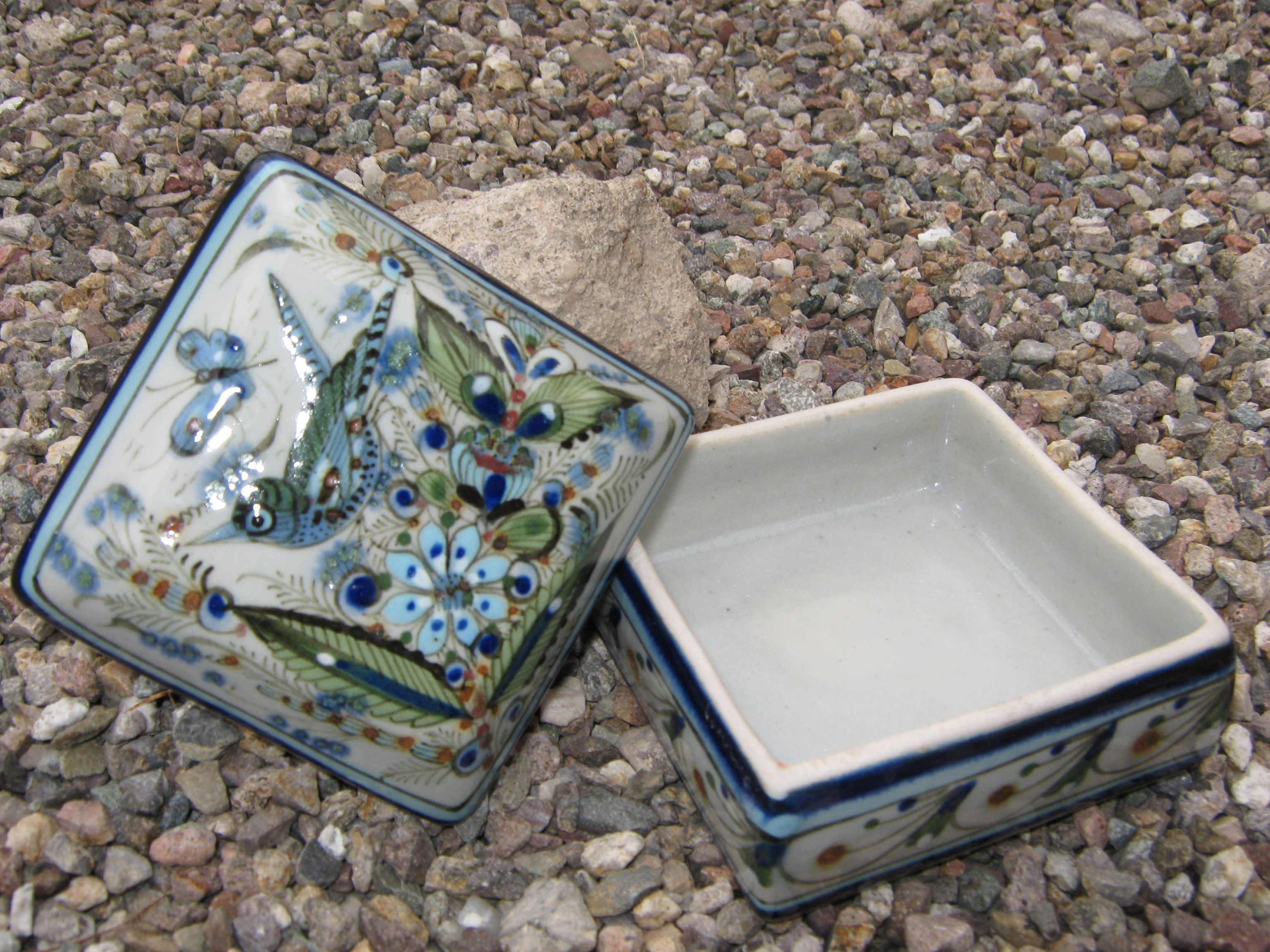 A jewel box, a candy dish, a beautiful work of art from the Ken Edwards Collection line.  kenedwardspottery.com