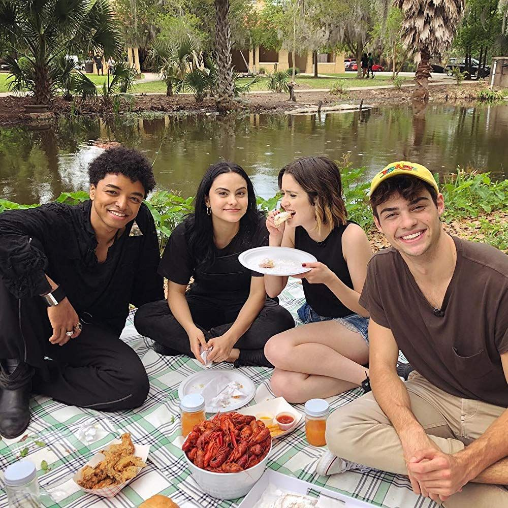 Laura Marano Noah Centineo Odiseas Georgiadis And Camila Mendes In The Stand In Romantic Movies Romance Movies Perfect Date