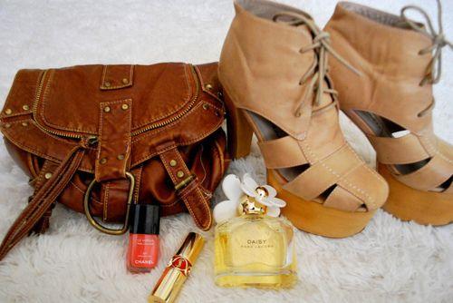 I want that satchel... pleeease