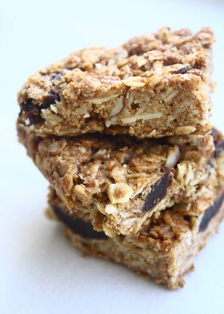 Almond-Date Breakfast Bars