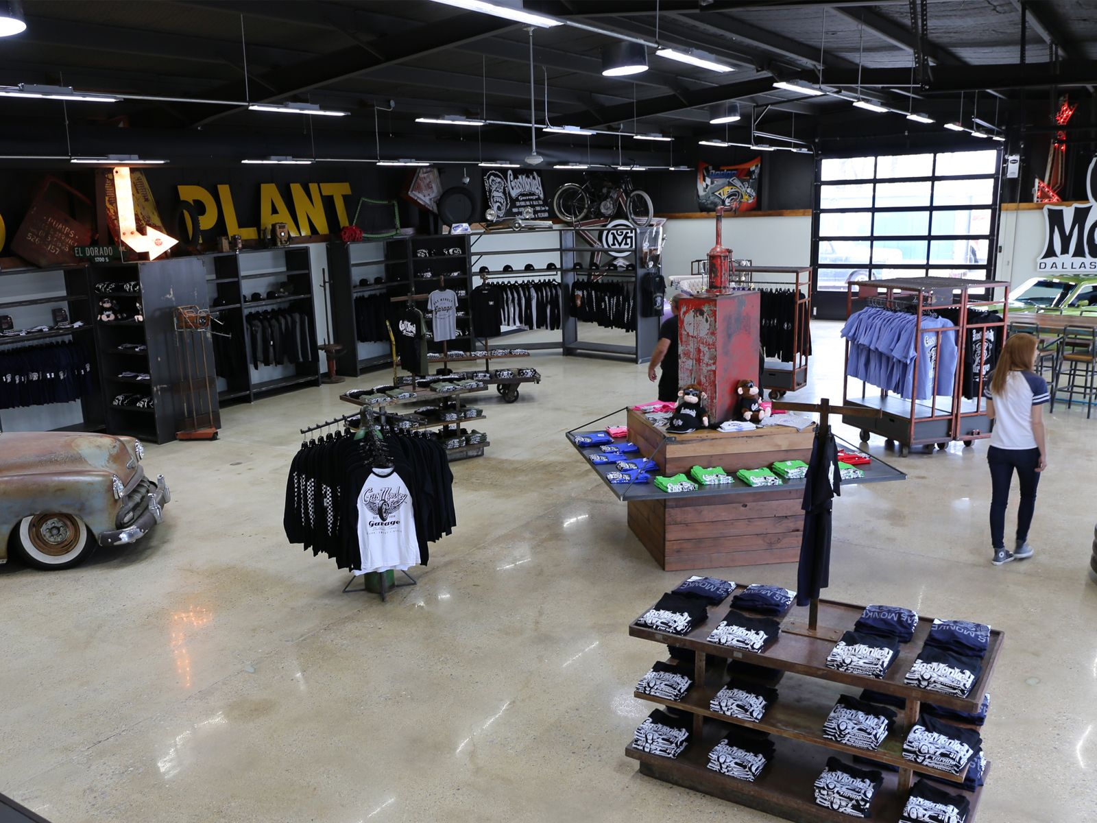 Gasmonkeygarage Gmg Rrr Richardrawlings Retail Design Office Spaceplan Finishout Fixtures Merchandise Gas Monkey Garage Grill Design Garage Design
