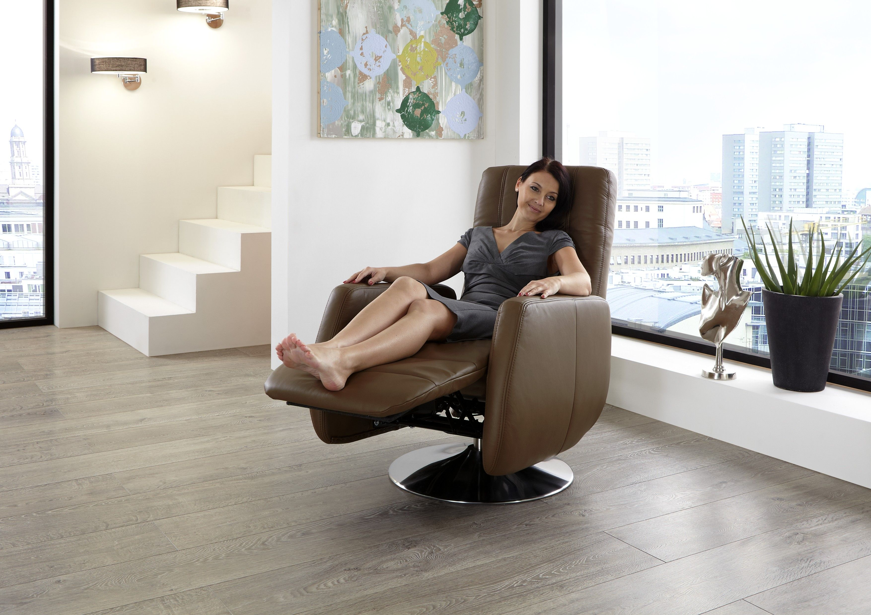 Počivalnik. Chair, Furniture, Recliner chair