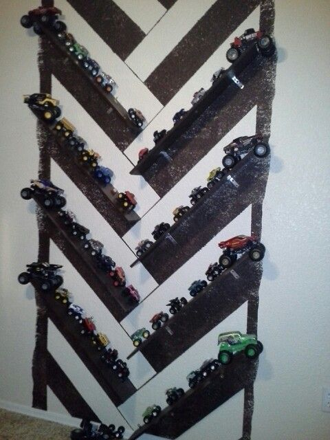 Monster truck wall   my diy Kids room ideas   Pinterest ...