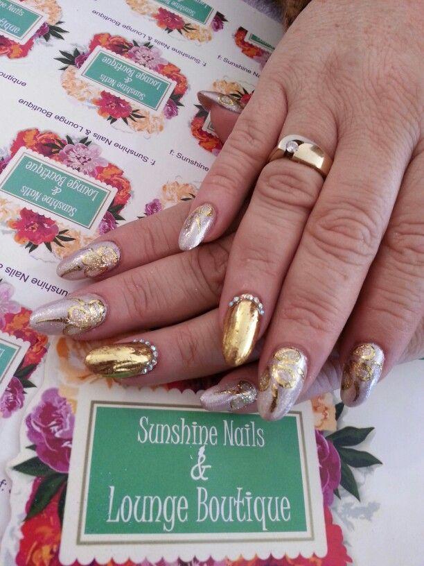 facebook: Sunshine Nails & Lounge Boutique
