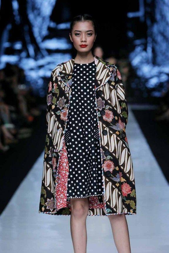 Batik fashion show dress