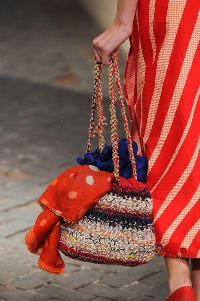 Crochet bag on the catwalk. Daniela Gregis Spring 2014