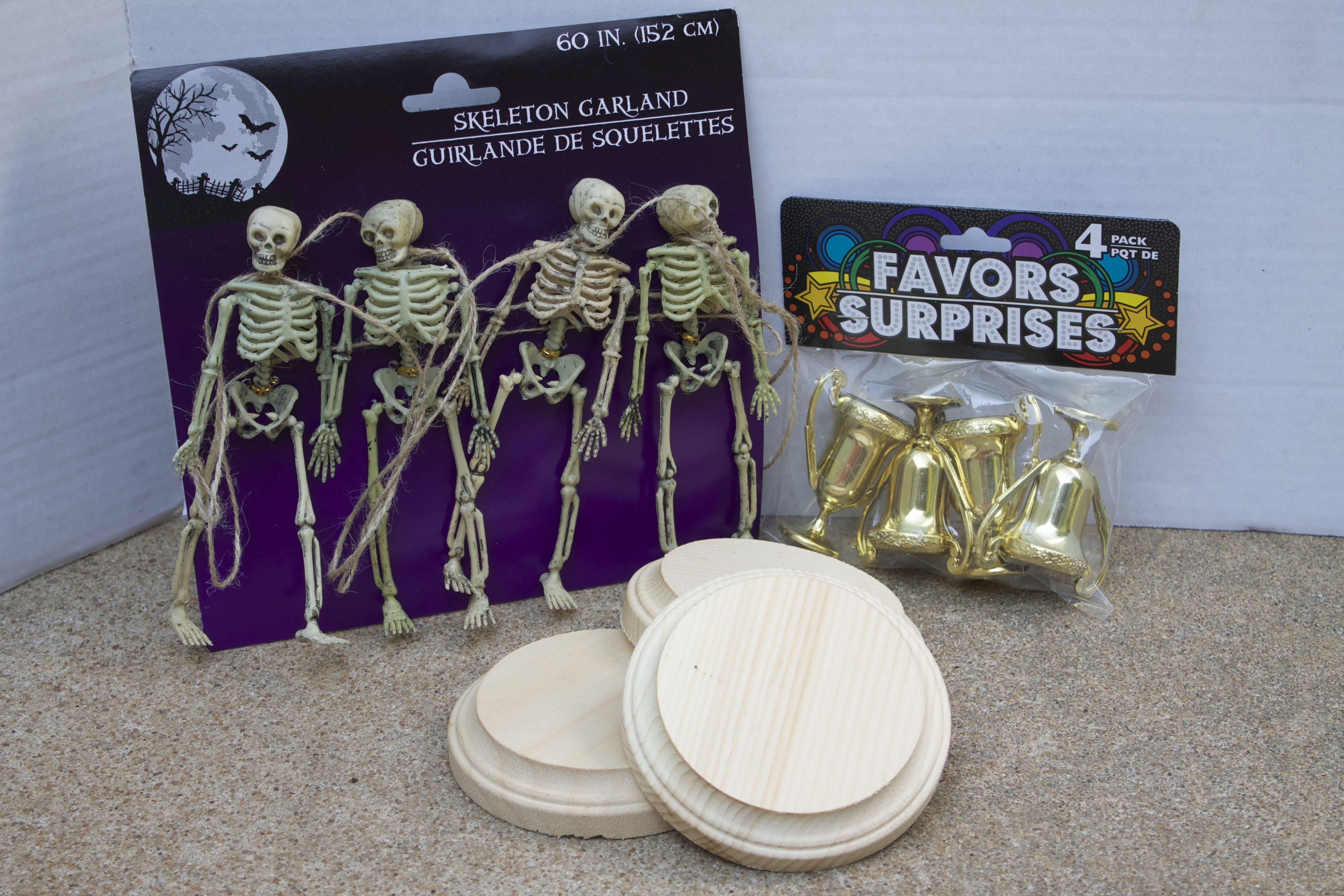 DIY Halloween Costume Contest Award Trophies | Halloween costume ...