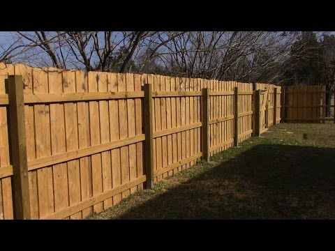 Building A Board On Board Cedar Fence Part 2 Youtube Fence Design Backyard Fences Building A Fence