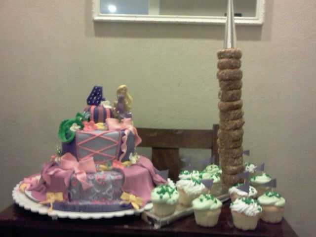 Tangle Donut tower and cake