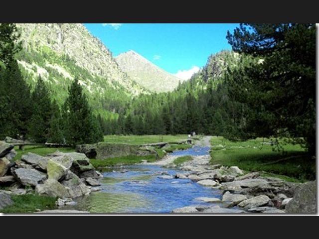 Las Rutas De Senderismo Más Conocidas De España National Parks Vacation Books Beautiful Views
