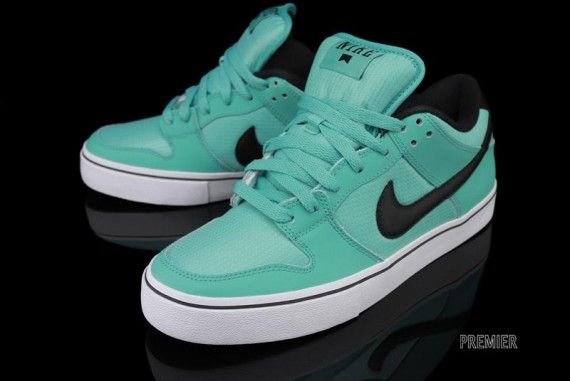 new styles 5a4a8 5129f Nike Dunk Low LR Crystal Mint
