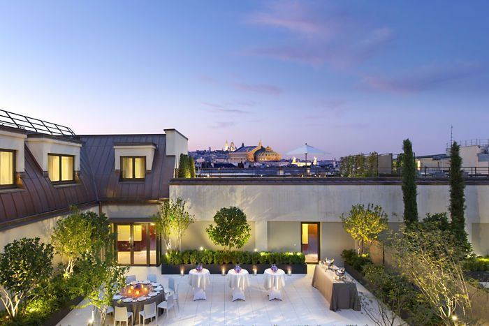Can you imagine all this is on a rooftop? Well, it is! Roof terrace retreat www.dmm-studio.com