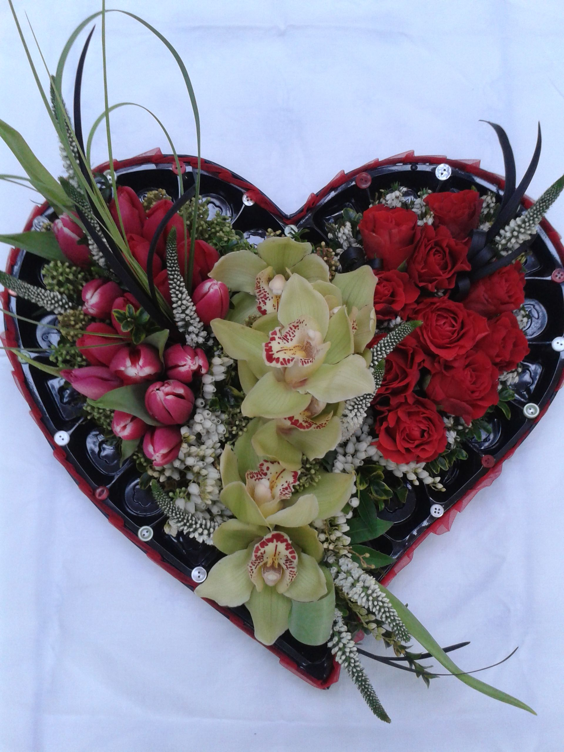 Heart-shaped Floral Flower Box. \