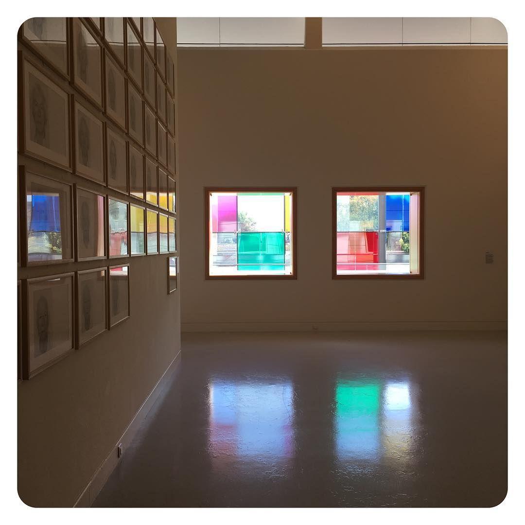 Farb im Quadrat. #latergram #mamcs #fassadelove #kunst #quadratimquadratimquadrat #dwäutischesvieregg #spiegelig #strasbourg #alsace #retraite #karinundkarin #schönischesgsi