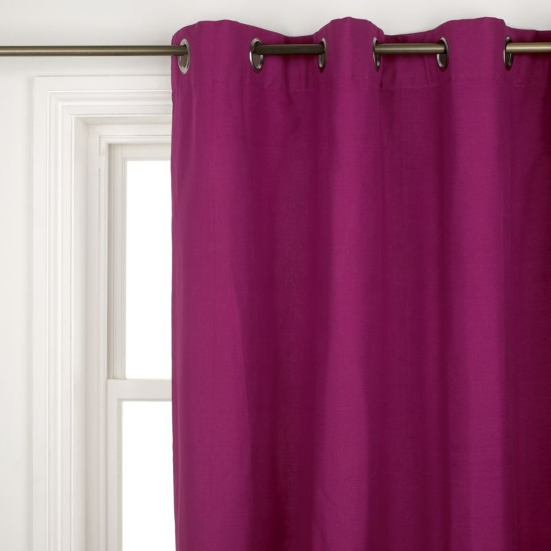 Magenta Bedroom: Magenta Curtains, If Only They Were Real Or A Really