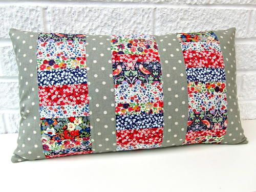 Three Panel Patchwork Cushions | This fast patchwork project is a great way to use your fat quarters!
