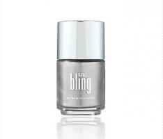 silver nail varnish
