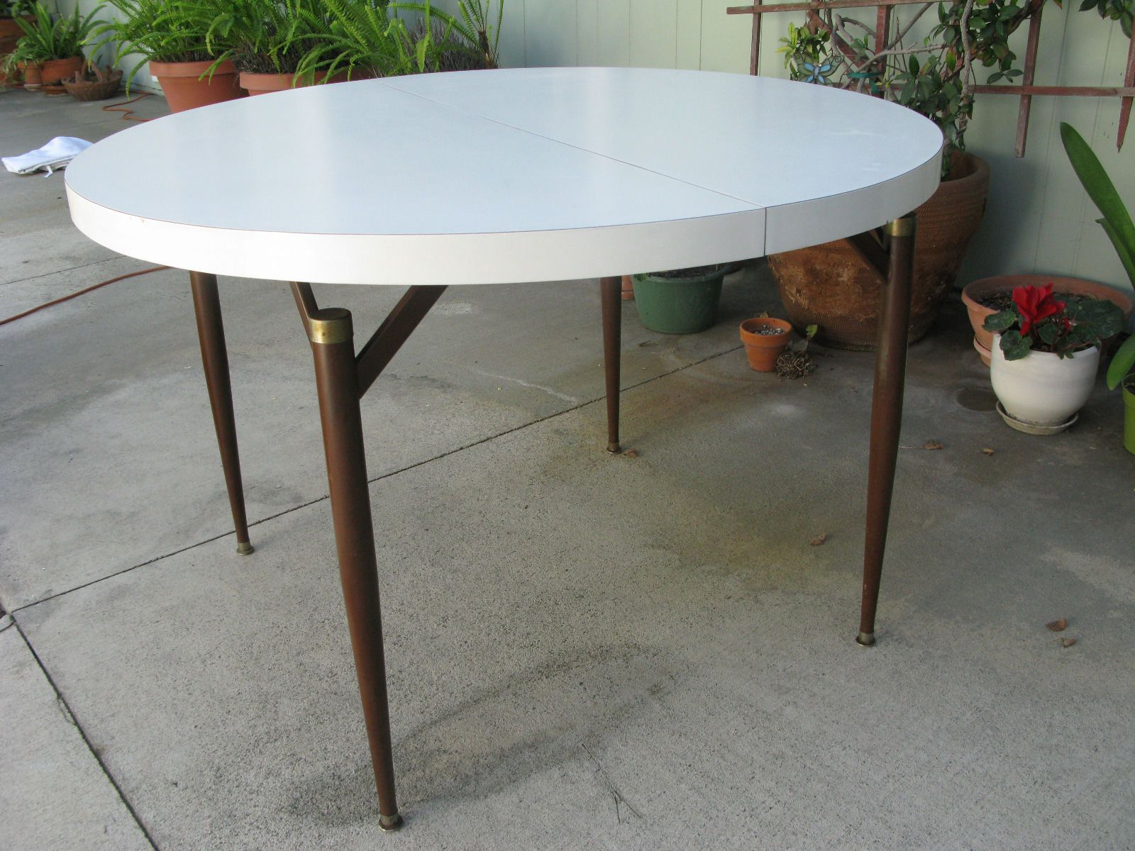 Mid Century Modern Walter Of Wabash White Laminate Dining Table With Leaf |  EBay