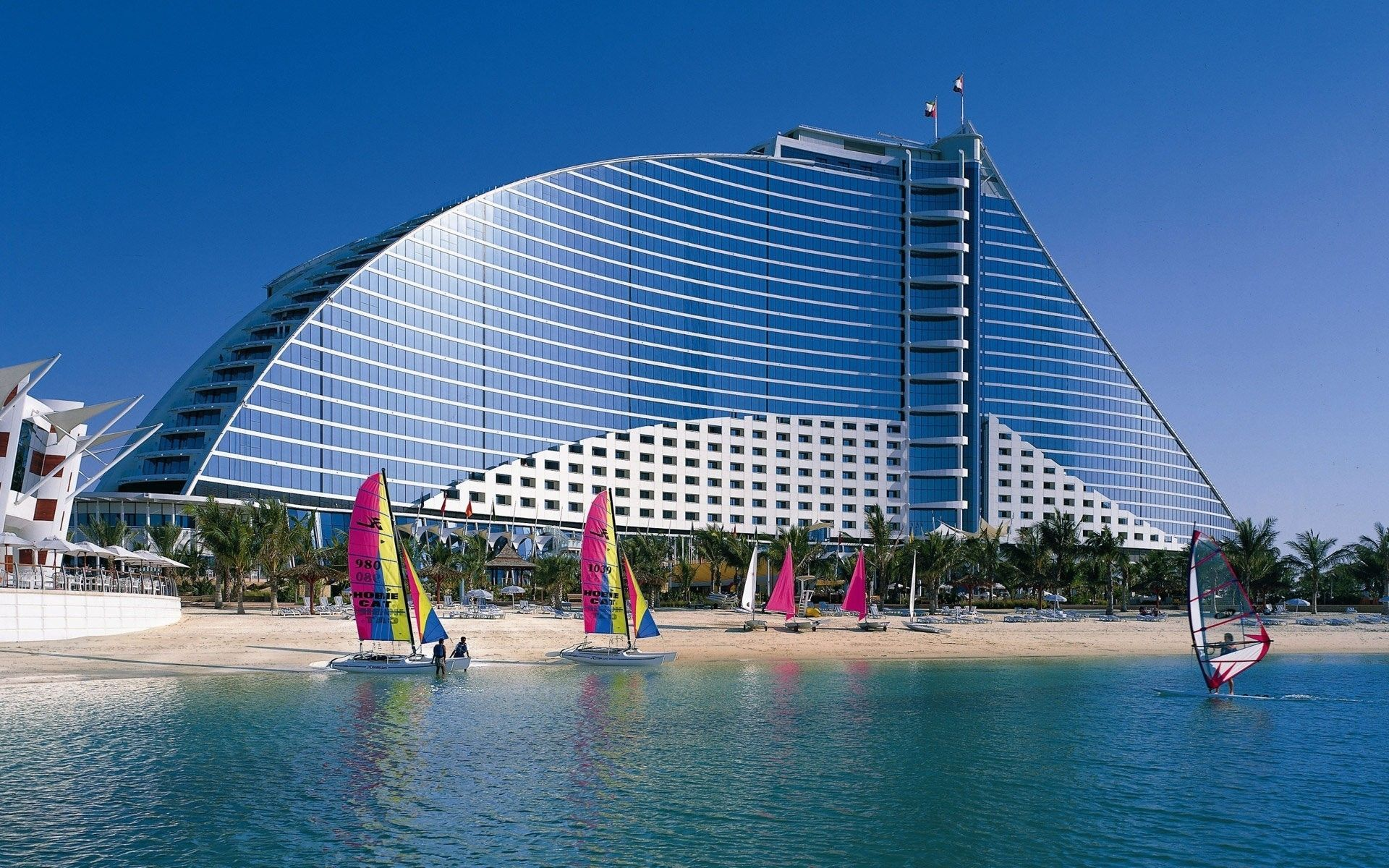 Jumeirah Beach Hotel Dubai This Luxury Was Officially Recognized By The Professional Ociation Of Diving Instructors Padi And Received Highest