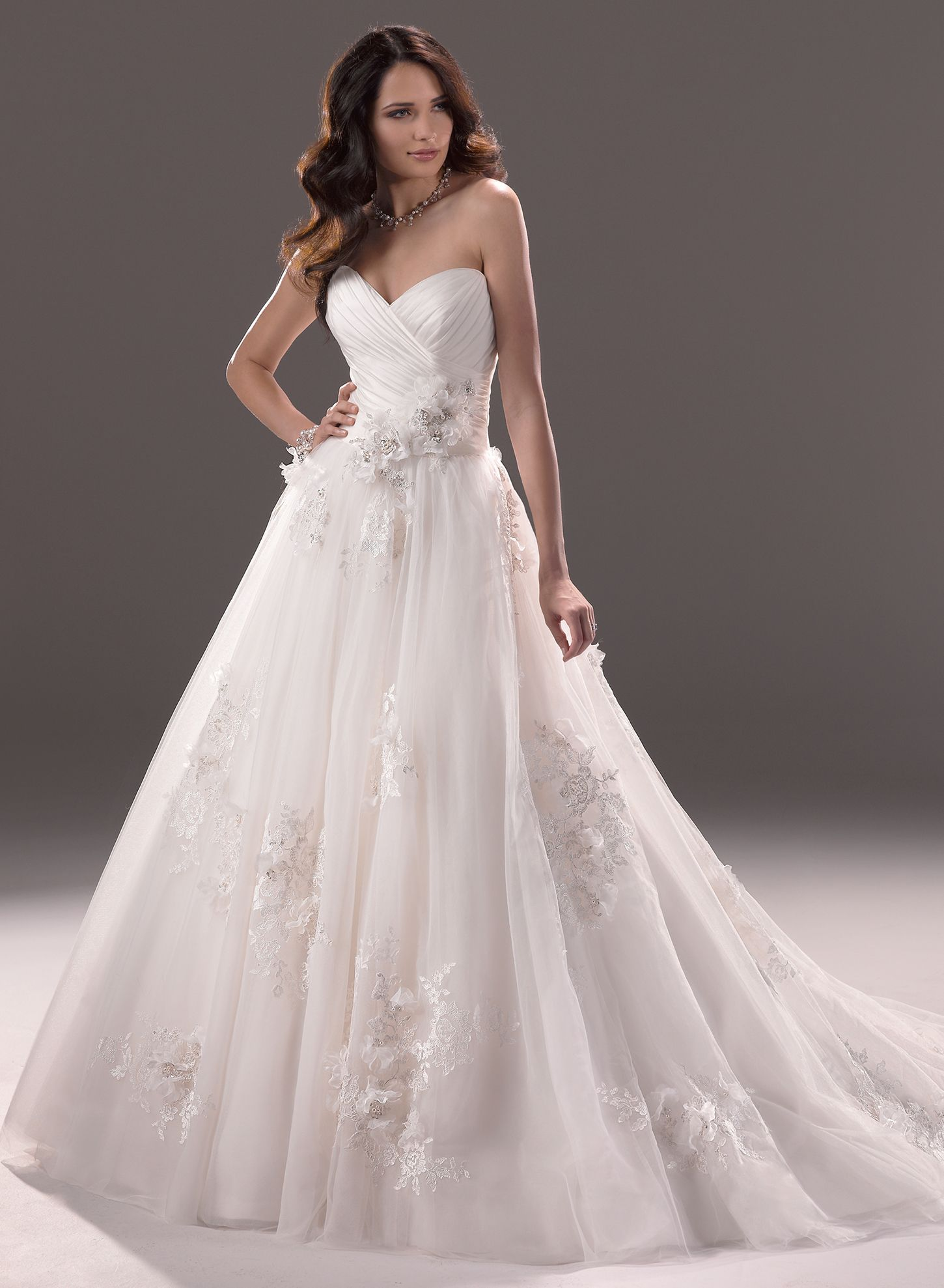 The Gorgeous Effie Arriving to catrinas Bridalwear July 2013 from ...