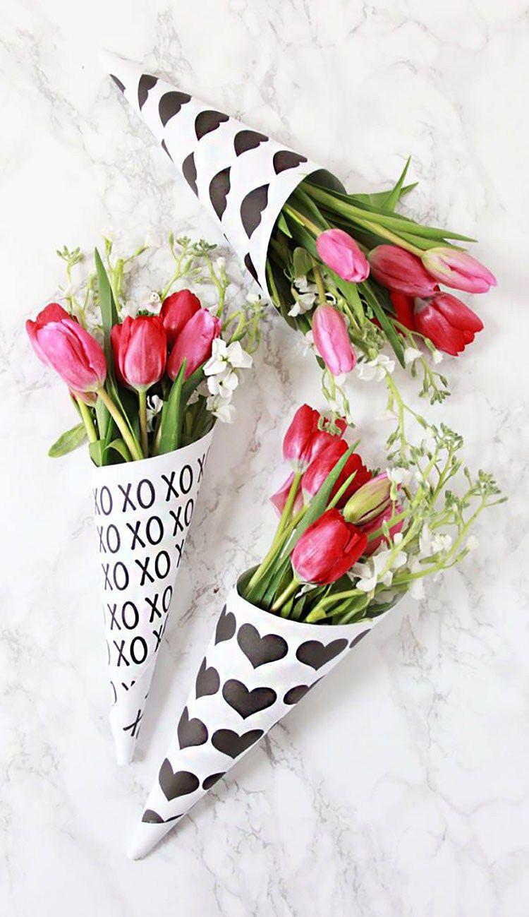 Minimalist Valentine's Day Decor | Musings on Momentum