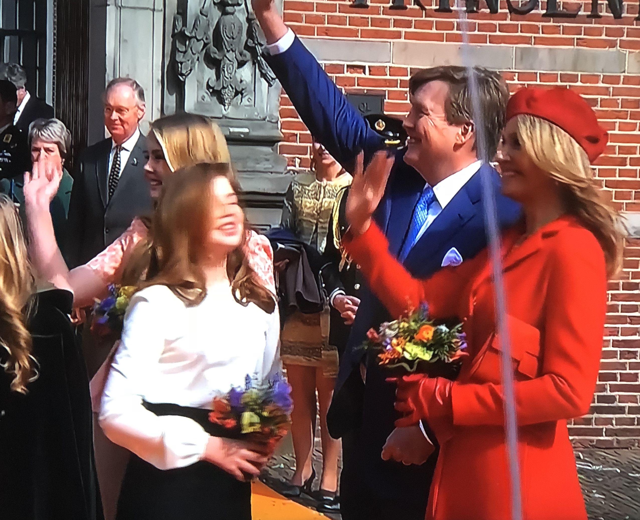 gefeliciteerd majesteit Gefeliciteerd majesteit   Koning Willem Alexander en familie met  gefeliciteerd majesteit