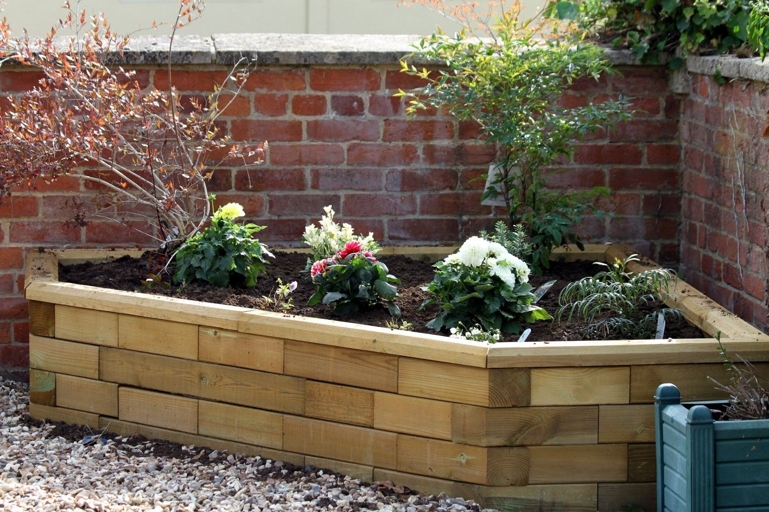 Raised Corner Bed Deep Enough For Small Trees Shrubs Or Climbers 1500x1500x450mm Raised Garden Wood Garden Edging Pallet Projects Garden