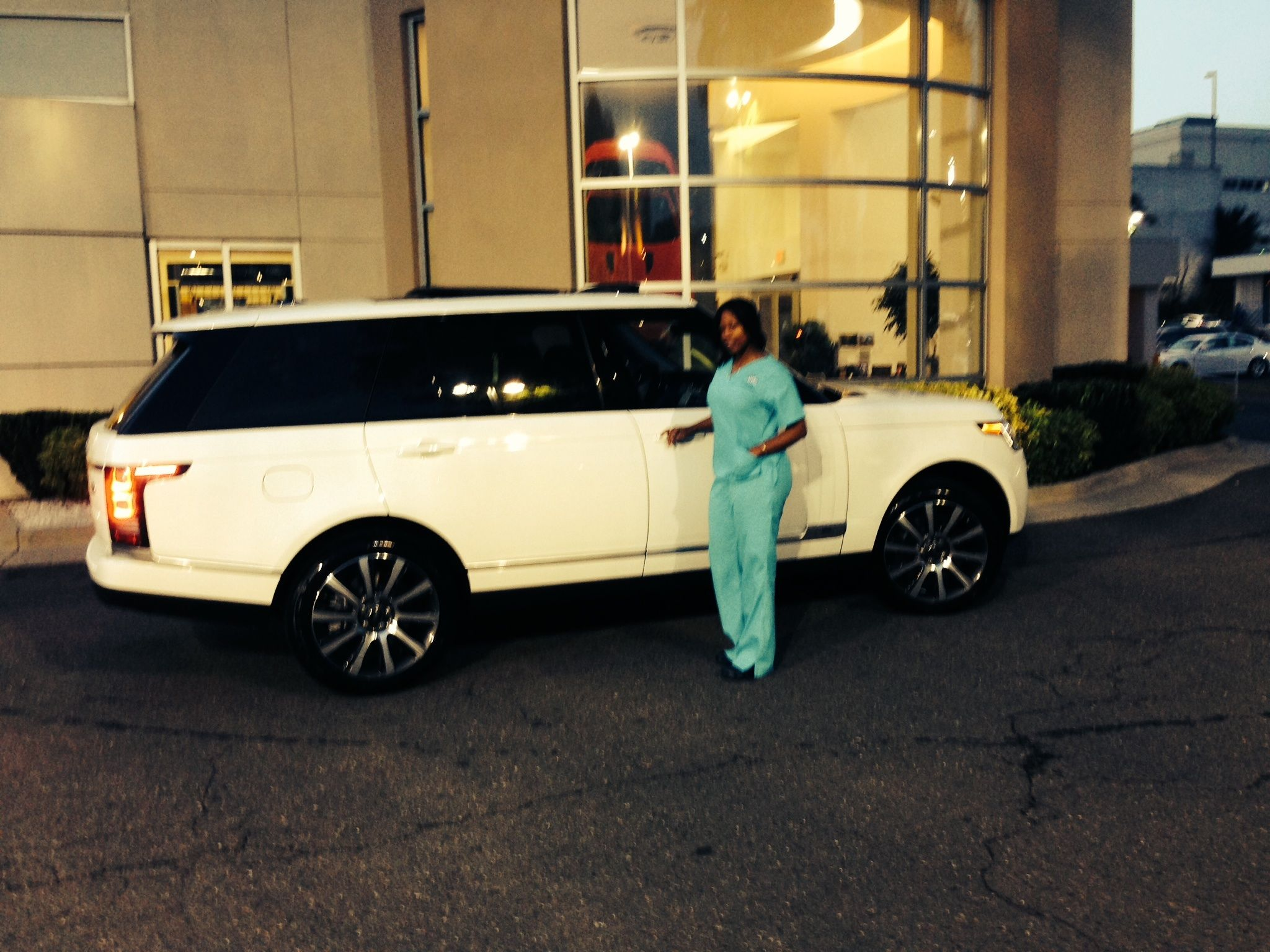 Rosenthal Land Rover >> Congrats To Dr Austin On Her New Range Rover Long Wheel