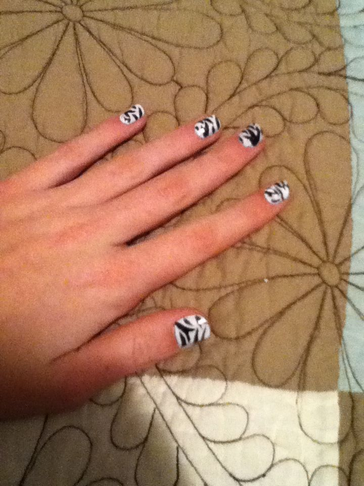 Zebra Nails - just White, then black with a thin brush. About 20 minutes. For Alissa