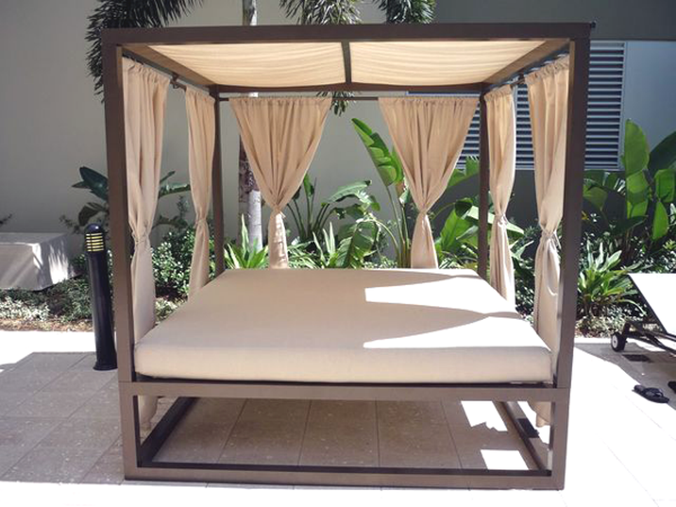 Outdoor Daybed with Canopy Plans | Daybed canopy, Outdoor ...