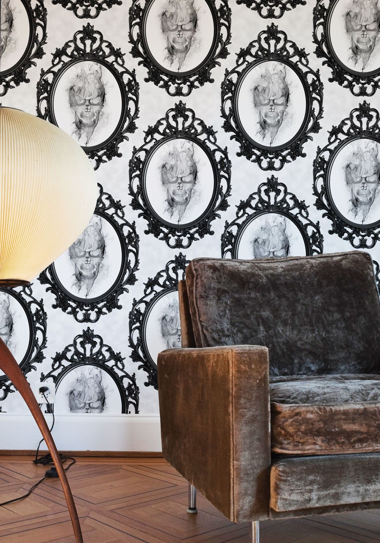 Amityville Ghost / Spooky Wallpaper Milton & King USA