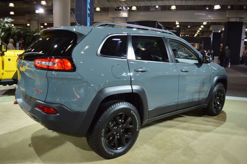 Jeep Cherokee at the NY International Auto Show Military