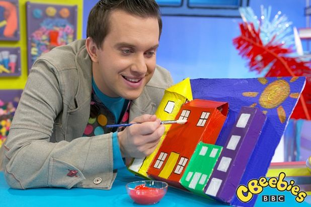 Mister Maker Hes A Genius Art Attack Pinterest Crafts