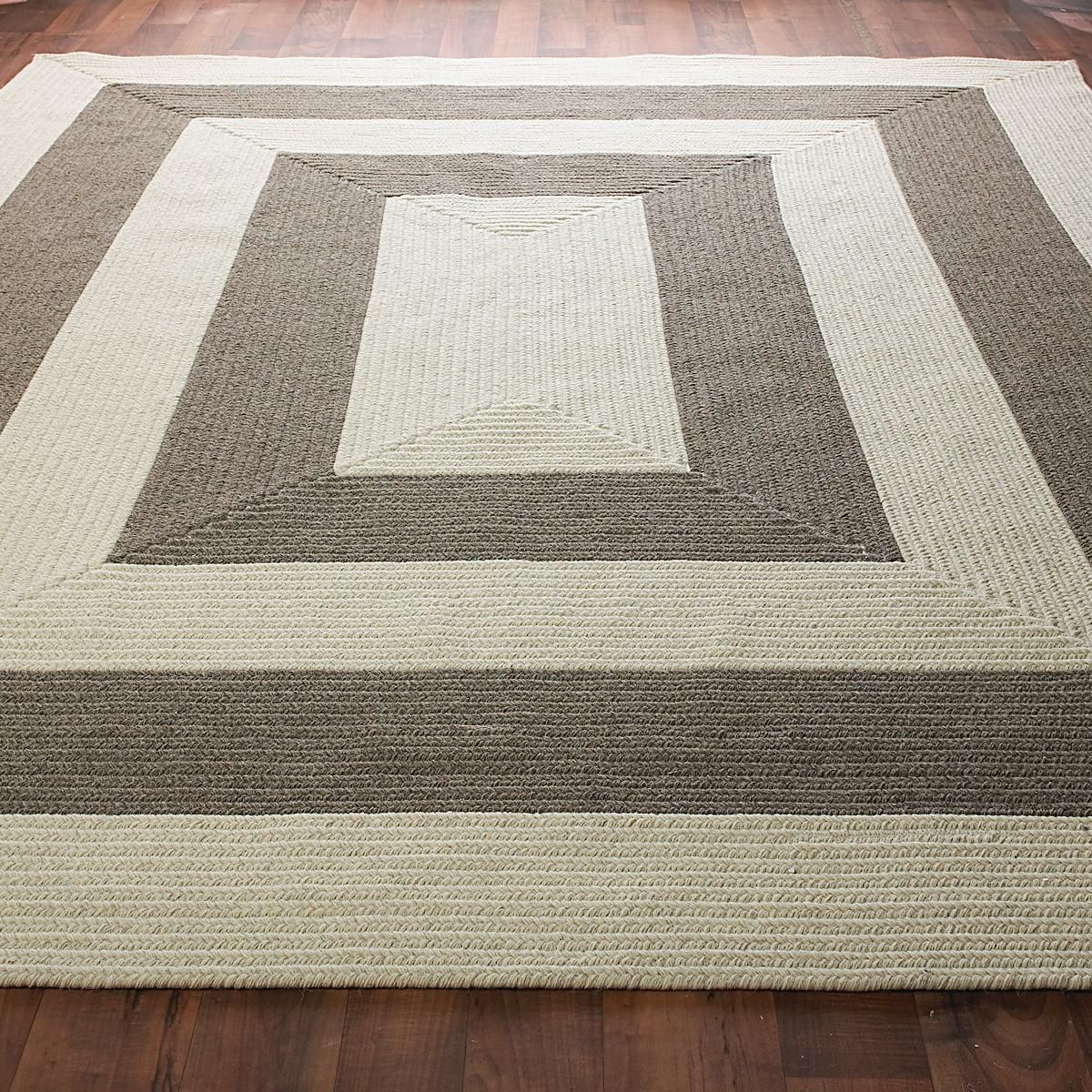 Eco Friendly Concentric Stripe Braided Rug Decorate