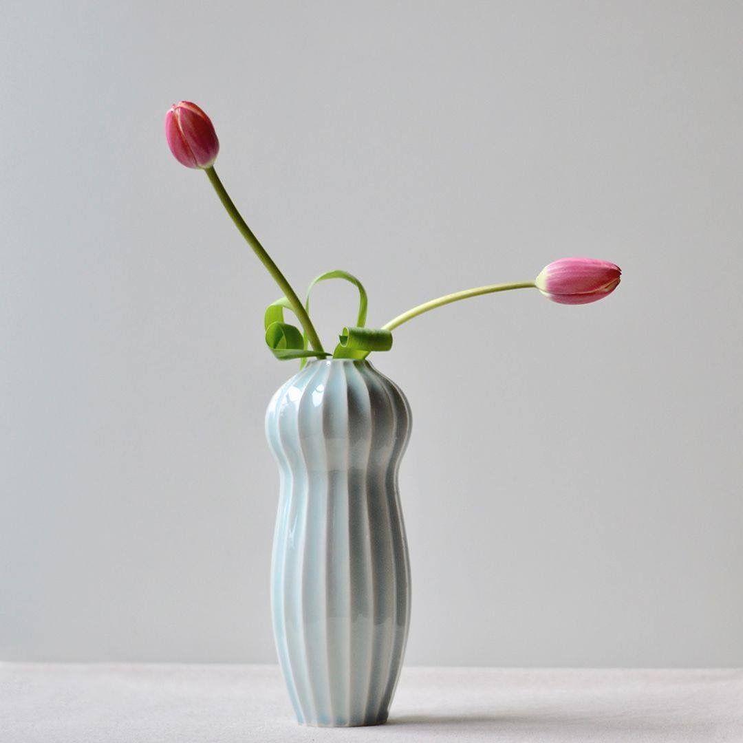 Just right for a couple of tulips...  #pastelporcelain #budvases #etsyseller #differencemakesus #porcelain #instapottery #pottersofinstagram #handmadevase #contemporaryceramics #handmade #modernpottery #pastelceramics #flowervases #newvasecollection #texturedvase #porcelainvase #ceramicslifestyle #design #ceramicdesign #ceramiclove #ceramicartist #porcelainartist #ihavethisthingwithceramics #ceramicistsofinstagram