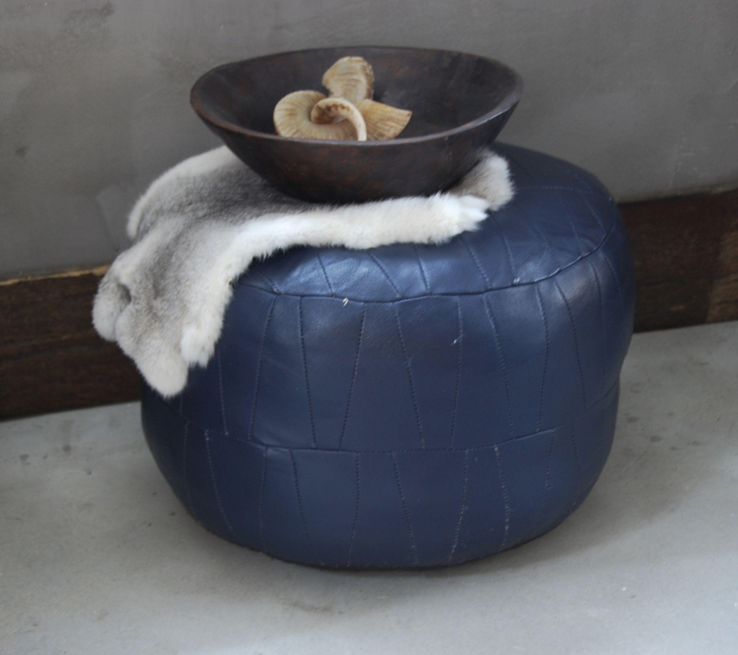 **Cool blue** Vintage retro poef 40 euro