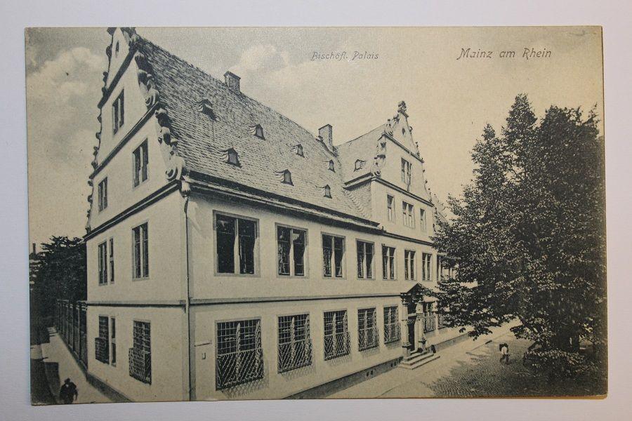 Bischofliches Palais Am Bischofsplatz Mainz Bilder Deutschland